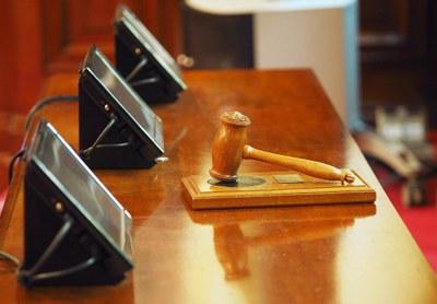 Oikeustieteiden avoimen väylälle suunnitteilla lisää aloituspaikkoja ja reittiä toisen asteen opiskelijoille