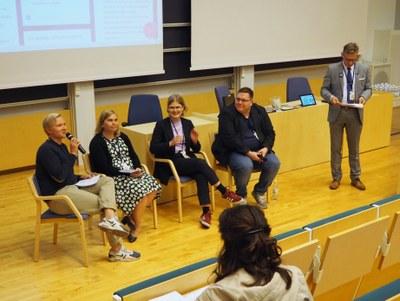 Väliseminaarissa keskusteltiin opiskelijavalinnoista ja korkeakoulutuksen tarpeesta