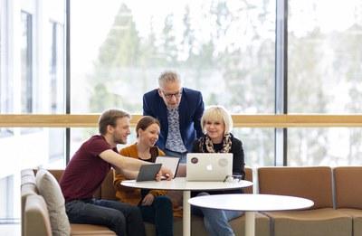 Työyhteisöissä vastuu viestinnästä on yhteinen: viestinnän osaamisen ja ymmärryksen tarve kasvaa