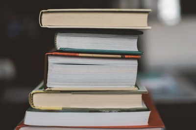 Avoimen väylä kirjallisuuden opintoihin