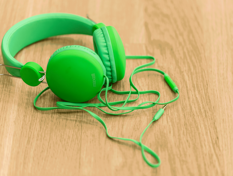 Musiikkiterapia_kuulokkeet