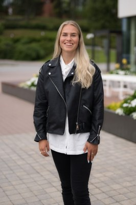 Kauppatieteet, Julia Enarvi: Tavoitteellinen urheilu on helppo yhdistää avoimen väylän opintoihin