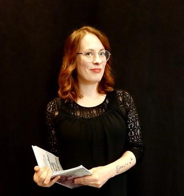 Kirjoittaminen, Anne Martin: Opinnoista uusia näkökulmia työelämään ja rohkeutta oman kirjailijaäänen kehittämiseen