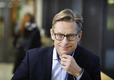 Avoimen Foorumi: jatkuvan oppimisen ja yhteistyön edistämisen asialla Jukka Lerkkasen johdolla