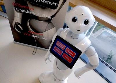 IT-osaamista kaikille: Sinuiksi robotiikan ja tekoälyn kanssa