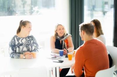 Kauppatieteet ja IT: Uutuusopinnoista osaamista työelämän tarpeisiin
