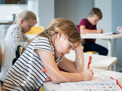 Luku- ja kirjoitustaidot kuuluvat kaikille: Uusista opinnoista keinoja oppimisen tukemiseen
