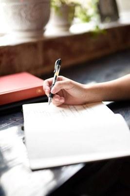 Osaamista tekstien tekemiseen: Kirjoittamisen perusopintojen haku 23.10. saakka
