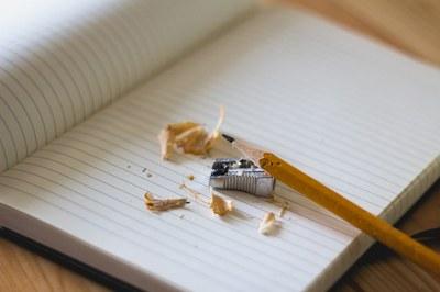Opintoja suunnitteleva: kurkkaa opinto-oppaaseen ja uusiin käytänteisiin