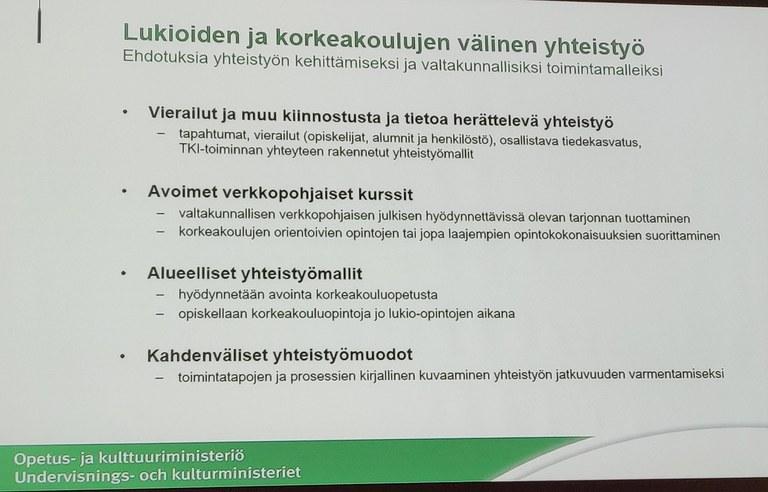 Katri Tervonen esitteli lukioiden ja korkeakoulujen välisen yhteistyön malleja neuvottelupäivien puheenvuorossaan.