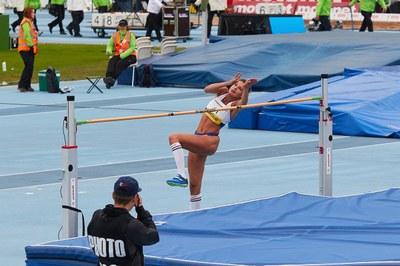 Korkeushyppääjä Gabriela Kosonen: Urheilija saa opiskelusta oivalluksia ja osaamista